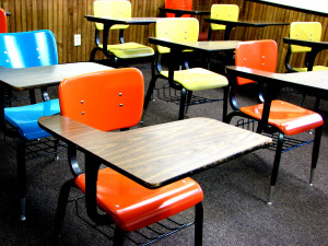 school-desks-1418686-1920x1440